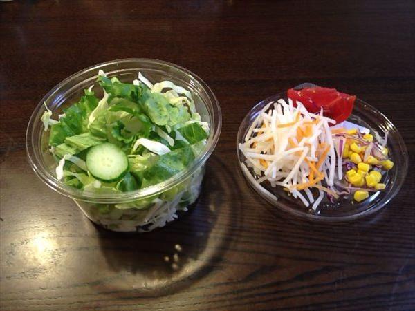 16日目の夕食(サラダを食べる前)