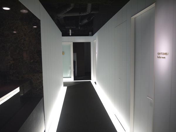 ライザップ天神店の廊下1