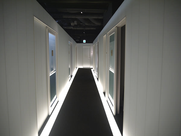 ライザップ天神店の廊下2