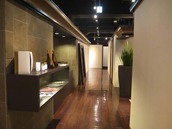 六本木店の廊下1