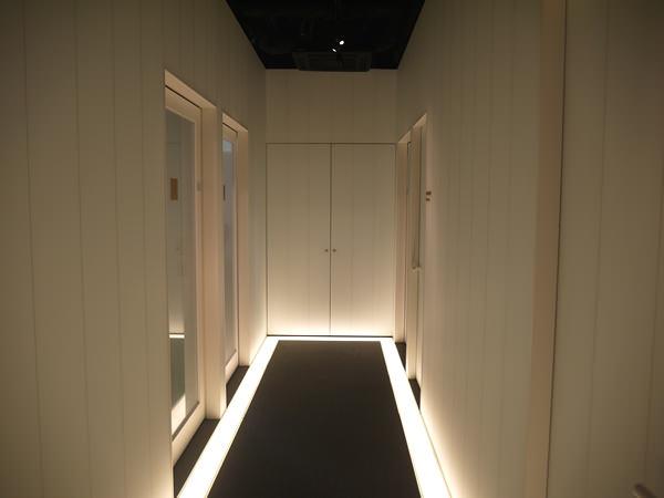 新宿三丁目店2Fの廊下