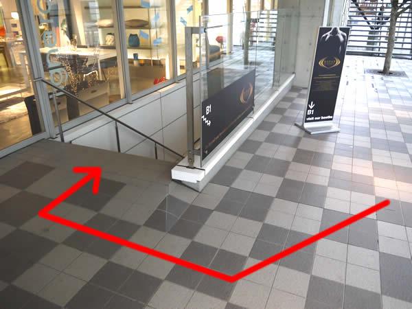 階段を逆側から見たところ