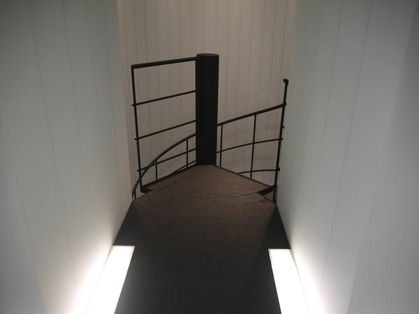 螺旋階段を上ったところ