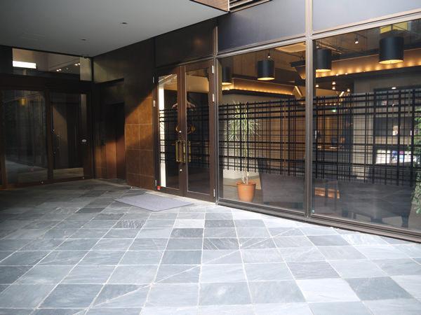 神宮前店入り口