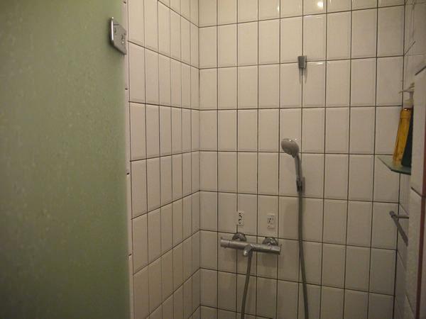 女性用シャワールーム内