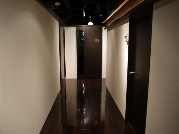 名古屋栄店の廊下
