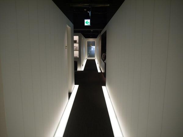 川崎店内の廊下の雰囲気