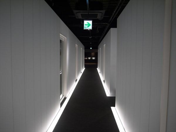 静岡店内(廊下)の様子