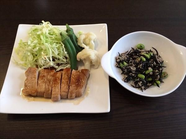 ペア33日目の昼食