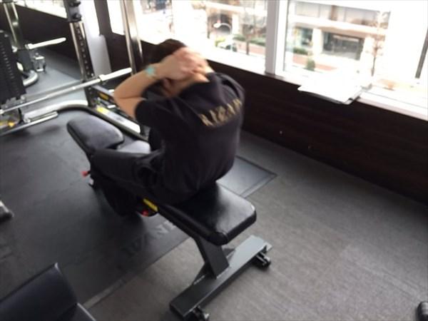 トレーナーの腹筋3