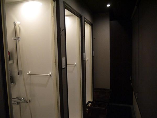 3基あるシャワールーム