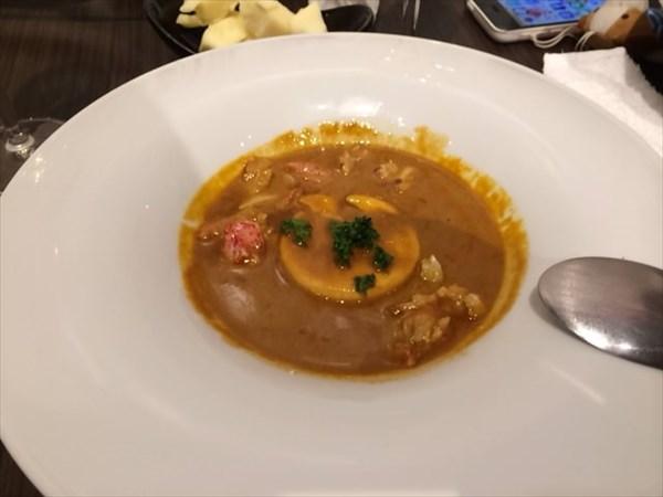 海老のビスクスープとオニオンフラン