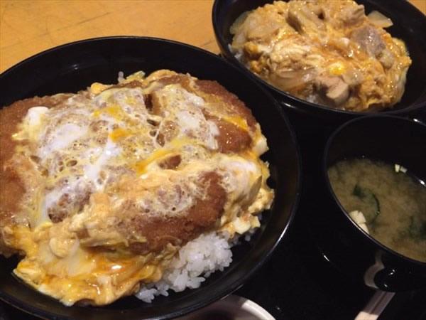 カツ丼と親子丼