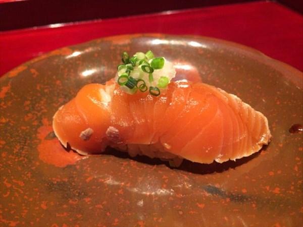 桜鱒のお寿司