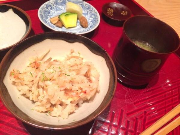 桜海老と新ごぼうの炊き込みご飯