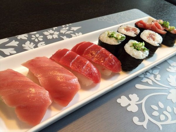 寿司(まぐろづくし)
