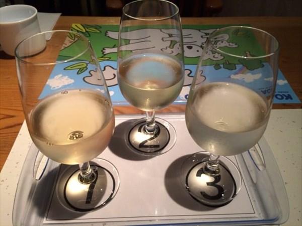白ワインのテイスティング