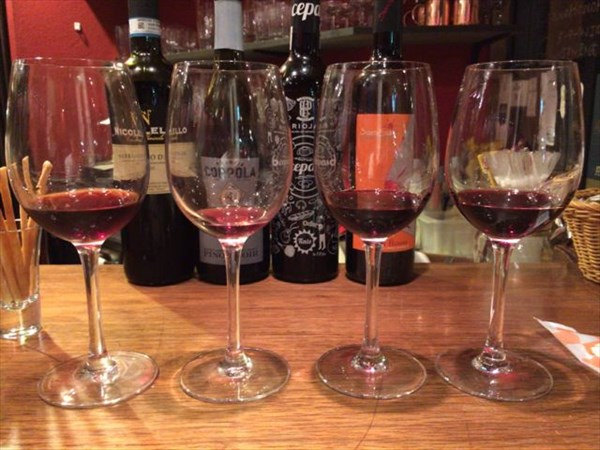 赤ワイン4種を飲み比べ