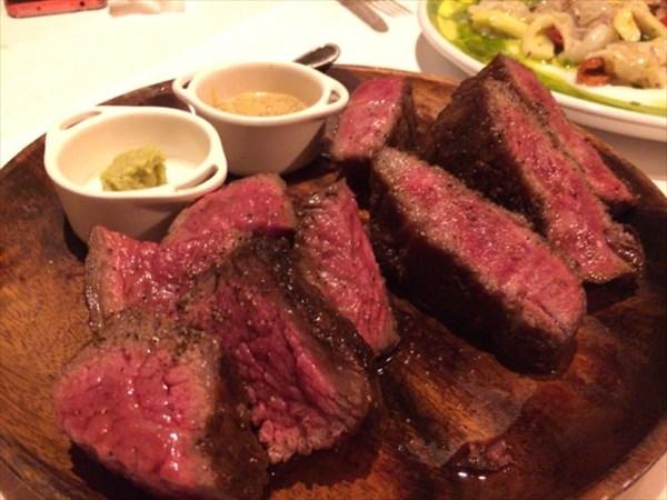 A5和牛(みすじと中肉)のステーキ
