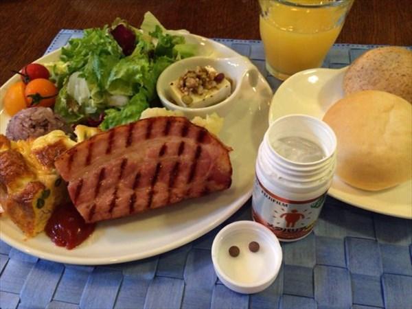 ルポゼで食べた朝食とメタバリア2粒