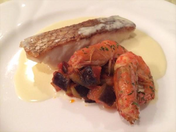 ペパーミントの魚のメイン料理