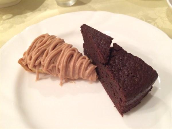 モンブランとチョコレートケーキ