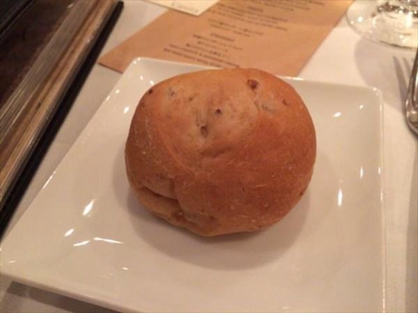 パン1個目