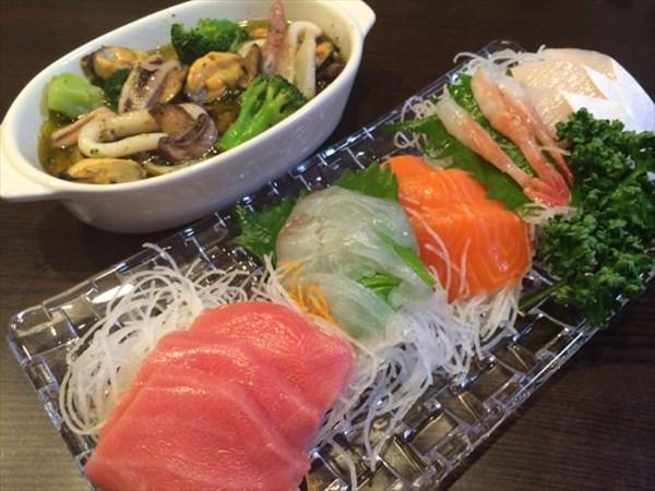 刺身と海鮮アヒージョ