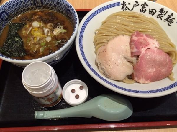 つけ麺とみ田とメタバリア3粒