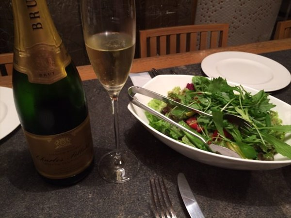 野菜サラダスパークリングワイン