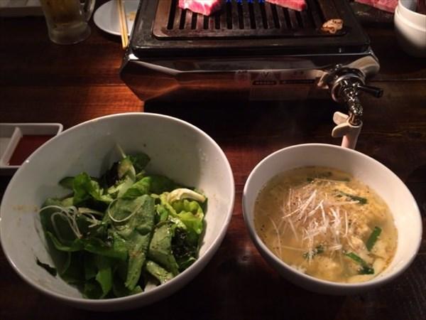 サラダとスープを中心に食べる!