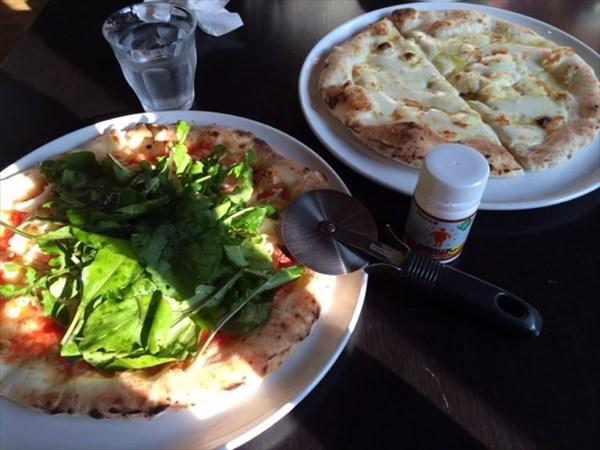 いんば学舎 オソロク倶楽部で食べたピザ