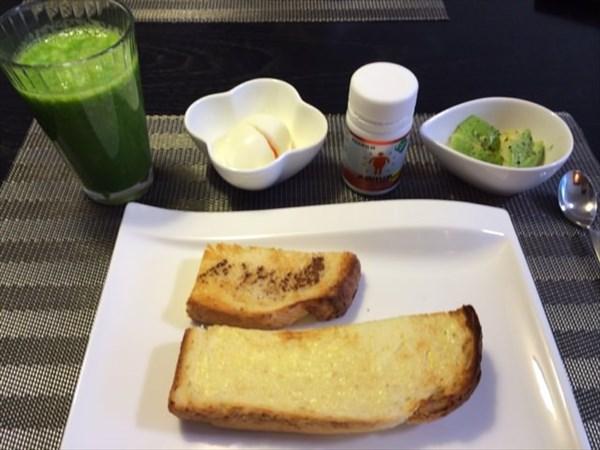 実家で食べた朝食とメタバリア
