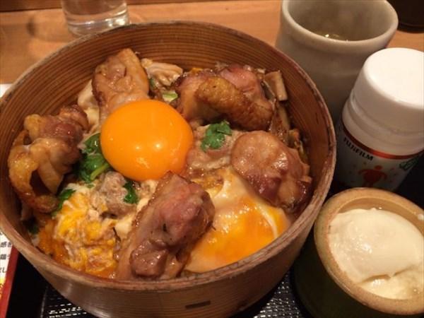 秋田比内地鶏の親子丼