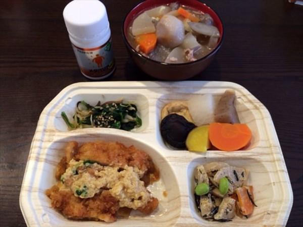 12/24のセブンミール弁当と豚汁とメタバリアネオ
