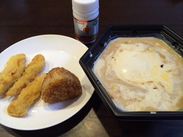12/27の夕食で食べた麻婆豆腐鍋と鳥天と焼きおにぎり