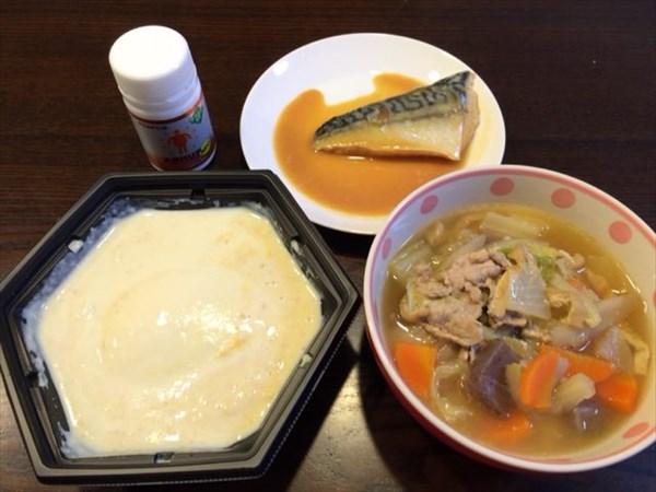 湯豆腐と豚汁と鯖味噌