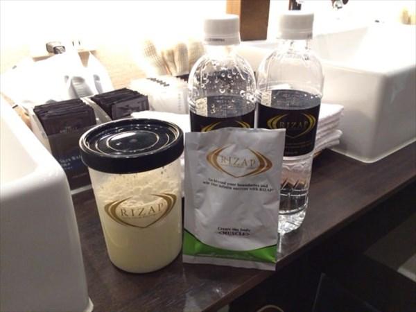 セッション後に飲んだライザップのプロテイン(レモンライム)