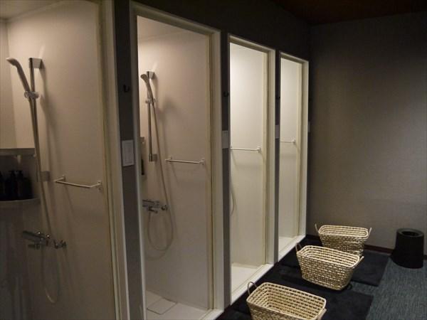 シャワールームは4室