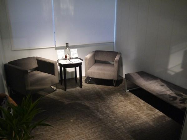 ライザップ博多店の待合室
