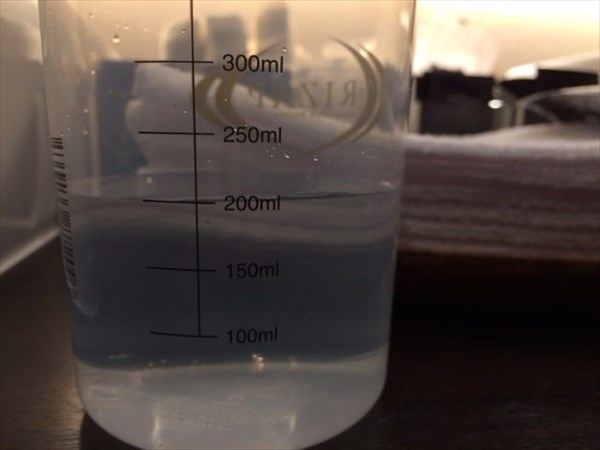 水を200ml入れる