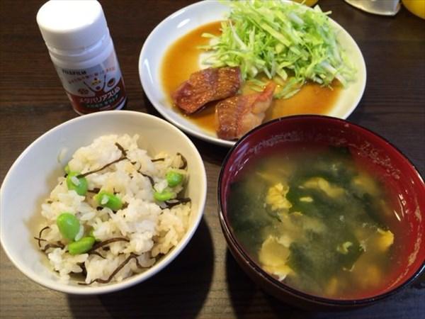 枝豆ご飯と味噌汁とメタバリアスリム