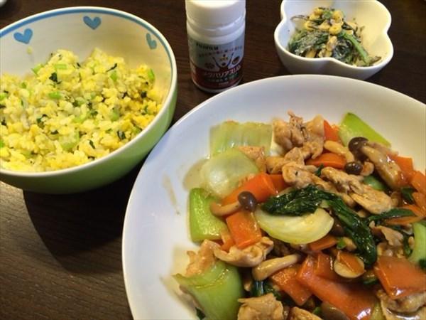 しらすチャーハンと豚肉の野菜炒めとメタバリアスリム