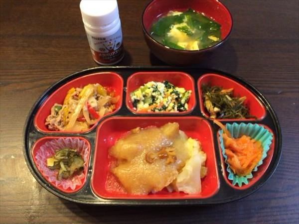 生協の弁当と味噌汁とメタバリアスリム