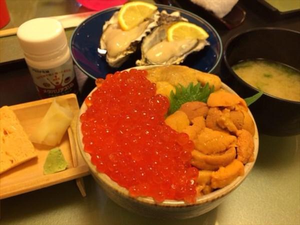 生牡蠣とうにいくら丼とメタバリアスリム
