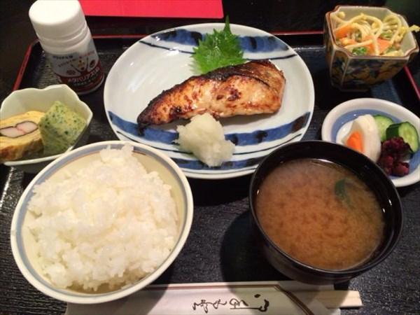 ライザップ後の西京焼き定食