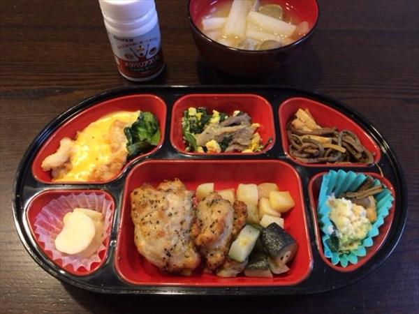 チキンを中心とした生協弁当とメタバリアスリム