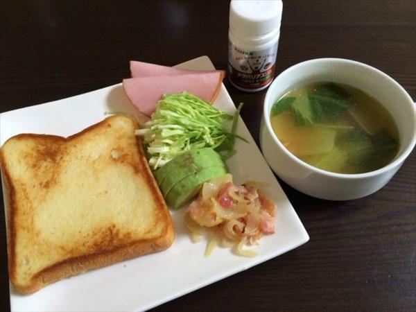トーストとサラダと野菜スープとメタバリアスリム