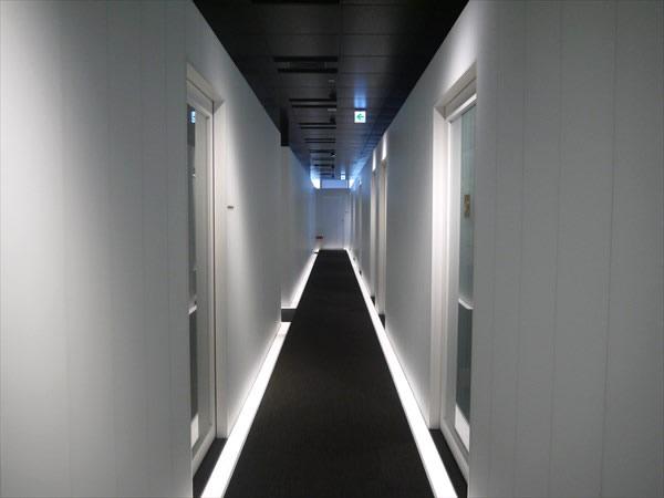 ライザップ天王寺店の廊下の様子