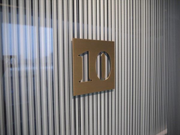 セッションルームのドア